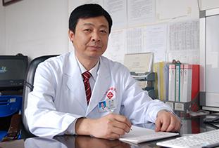 胡勇 副主任医师 复大肿瘤医院医疗四科 主任