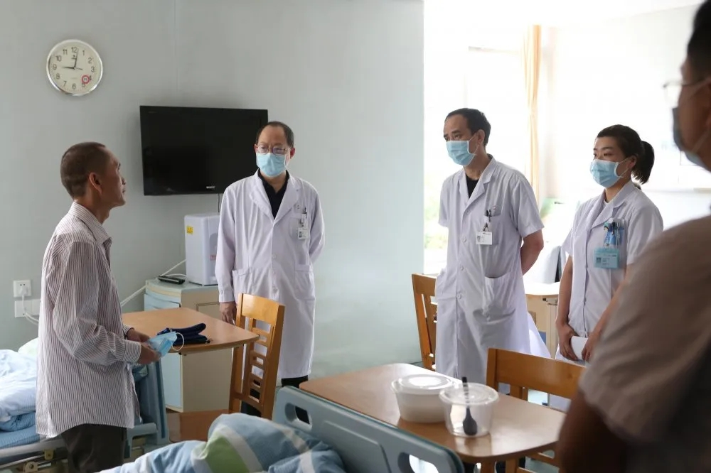 老胃病竟查出肝癌,微血管介入治疗让大肝癌患者劫后重生!